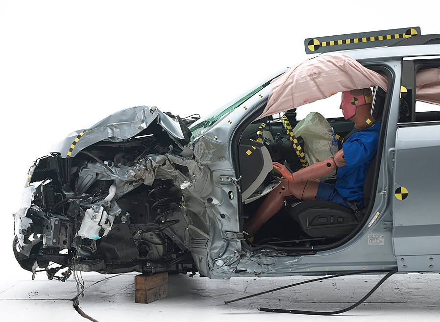 Two Gm Suvs Score Good Ratings In New Crash Testing